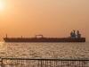 В ожидании нефтяного пятна