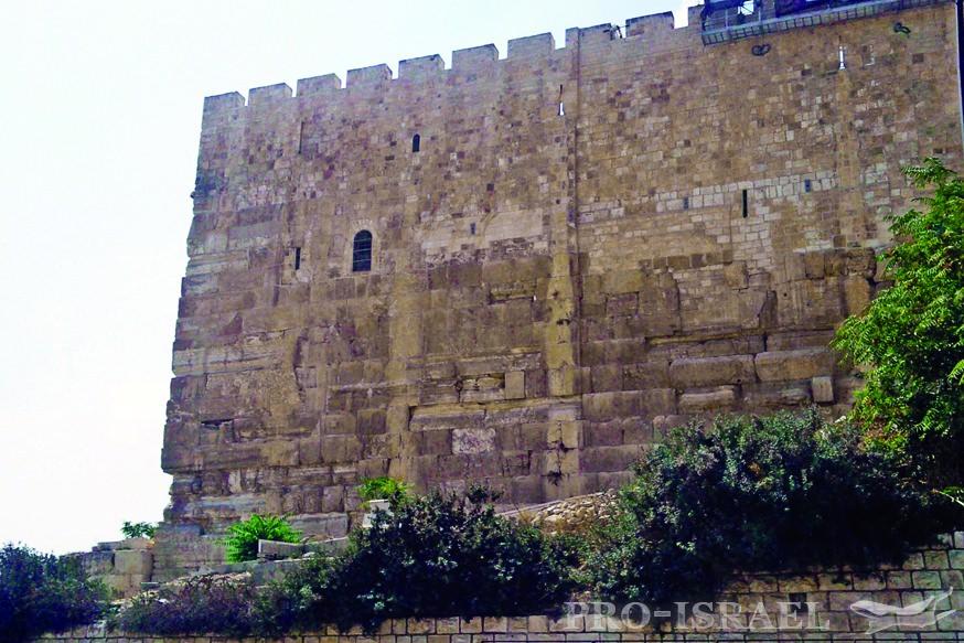 Остатки стены Второго храма
