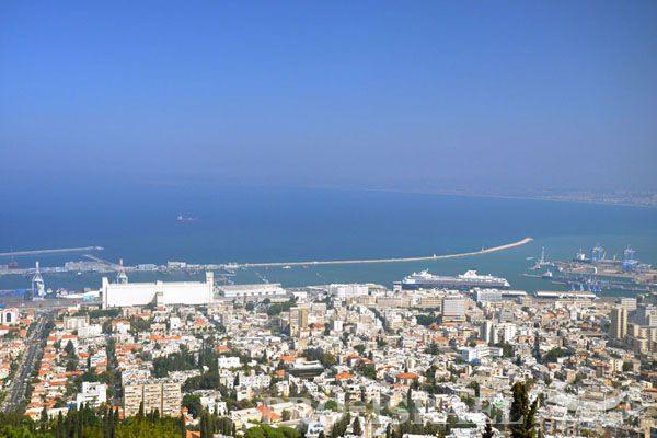 Порт Хайфа, вид с горы Кармель, Израиль