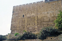 Юго-восточный угол стены
